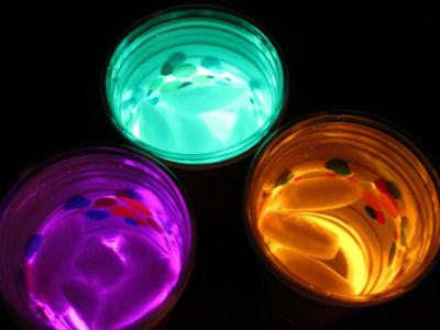 glow-stick-cups-for-a-party-final