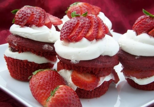 Delicious red velvet strawberry mini cakes