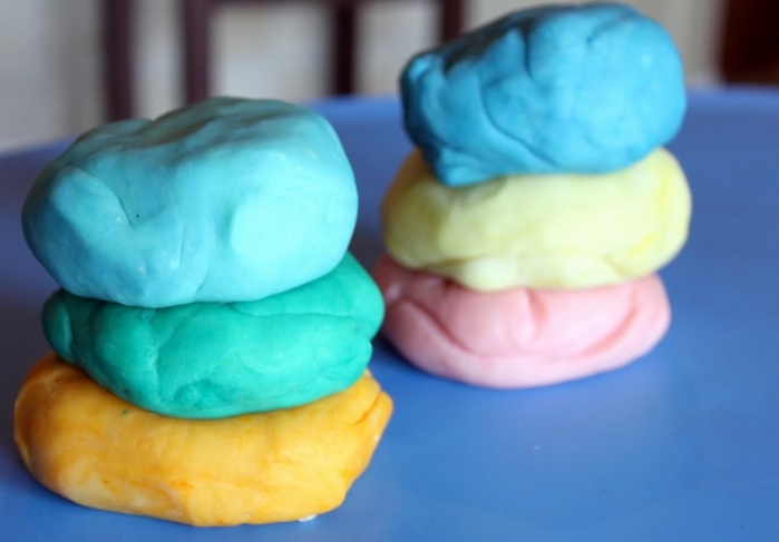 How to make edible play dough for the kids