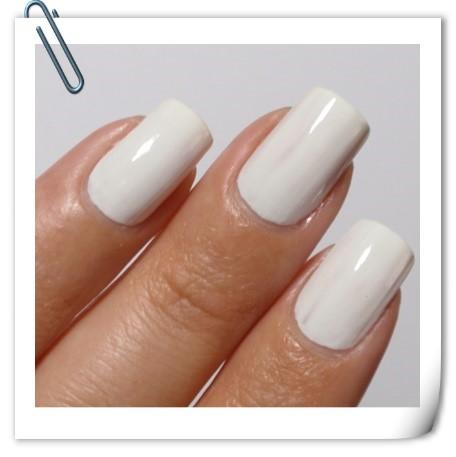 white fingernails