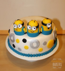 minion cake via flickr