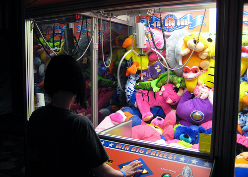Most arcade claw machines are rigged – Here is why…